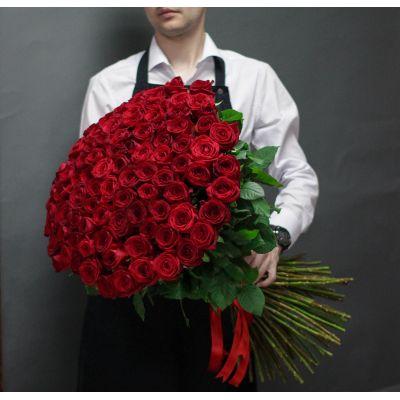 """Букет из 101 красной розы """"Гран При"""" 80 см"""