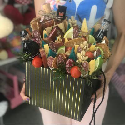 """Коробка из колбас """" Армейская """""""