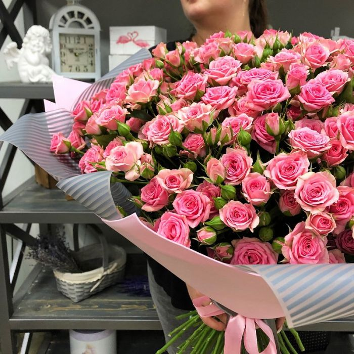 """Букет из 51 кустовой розы """"Спрей"""""""