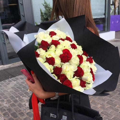"""Букет из 51 розы """"Способен удивить"""""""