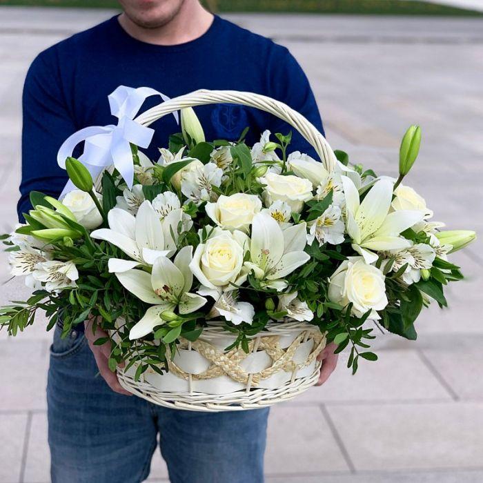 """Корзина с цветами """"Весна"""""""