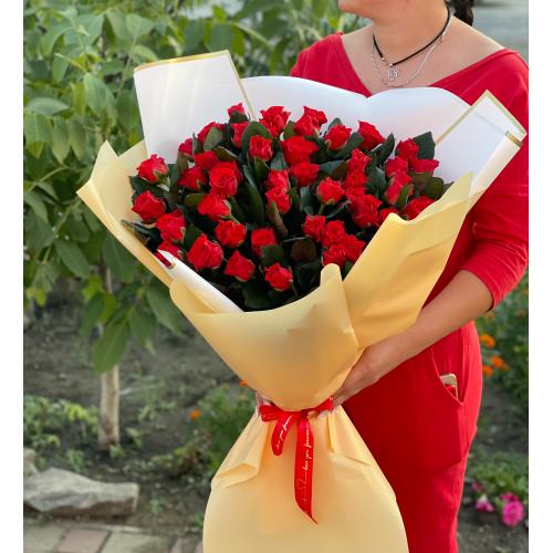 """Букет из 51 изысканной розы """" Габриэлла"""""""