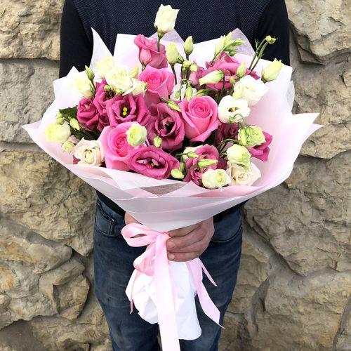 """Букет из роз и эустомы """"Фраголино"""""""