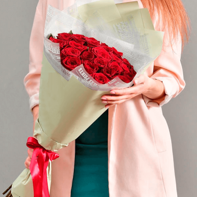 """Букет из красных роз """"Влюбленный"""""""