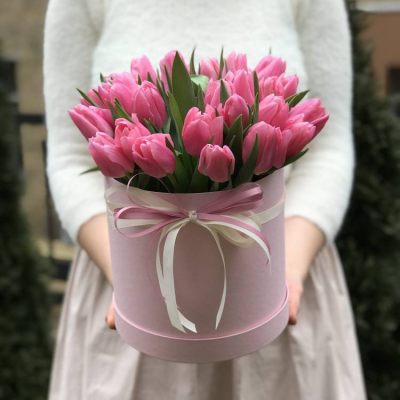 """Коробка с тюльпанами """" Нежность"""""""