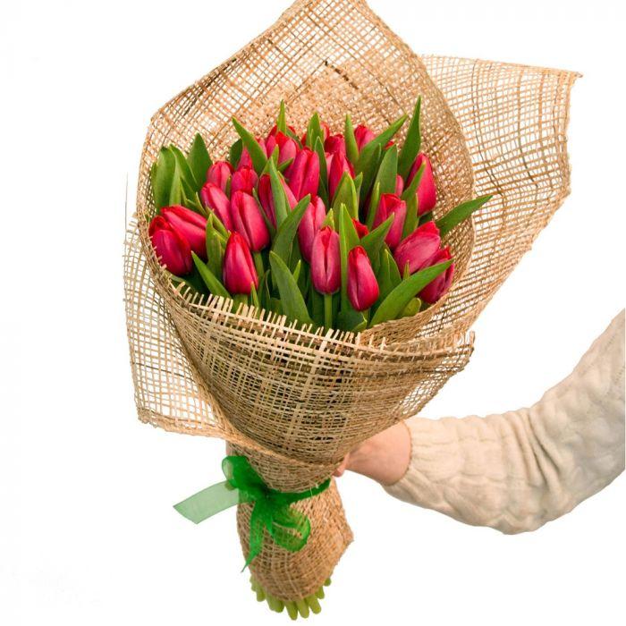 21 красный тюльпан