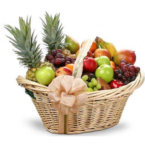 """Корзина фруктов """"Привет , с любовью"""""""